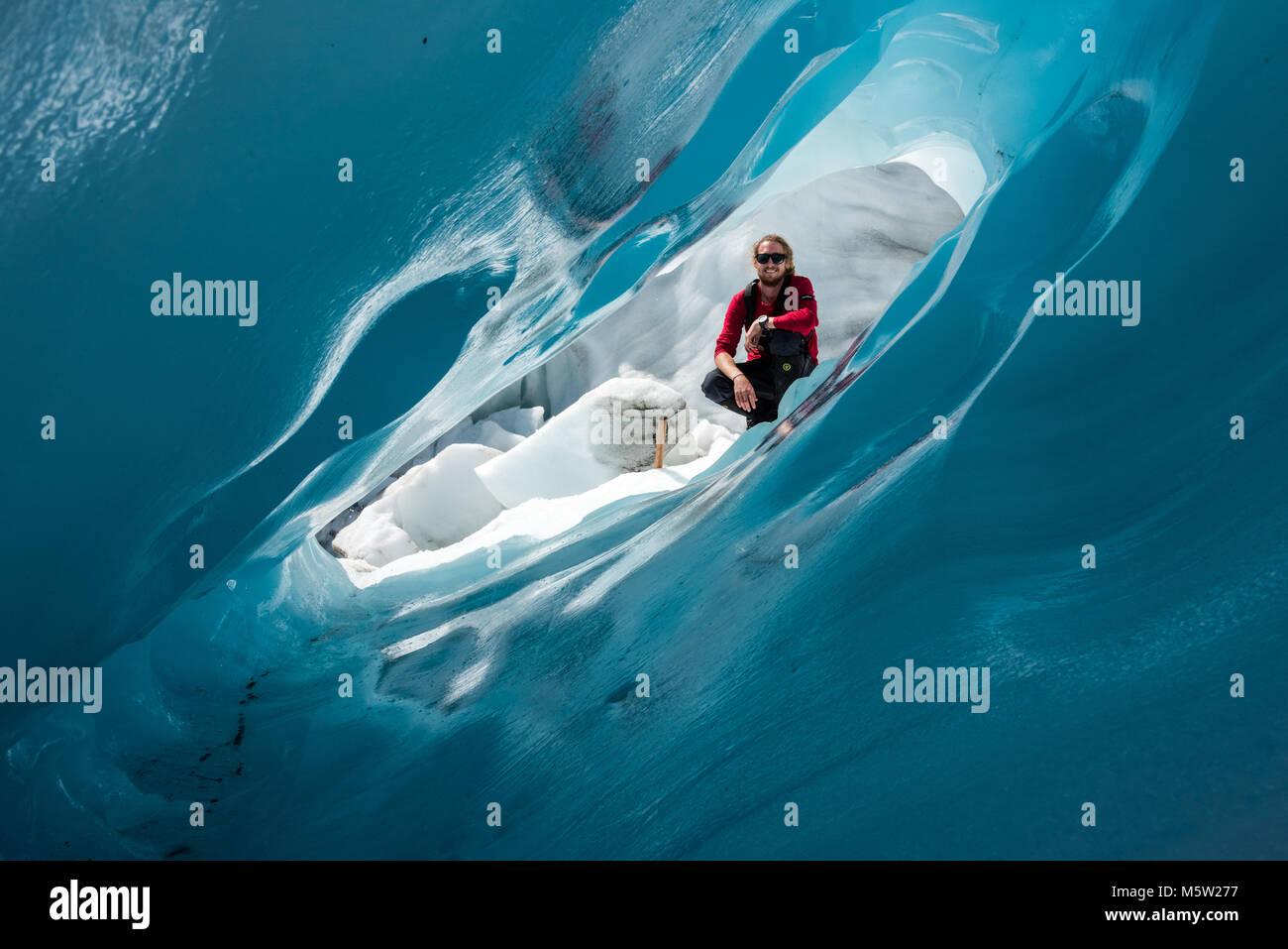 Guardando attraverso il ghiaccio, Franz Joseph Glacier, Isola del Sud, Nuova Zelanda Immagini Stock