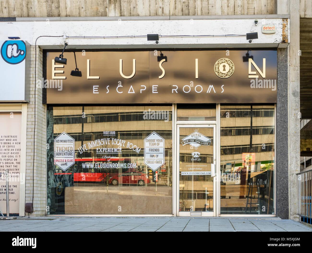 Il 'elusione' escape camere parte del (eccitante sfugge company) facciata frontale nella strada commerciale Immagini Stock