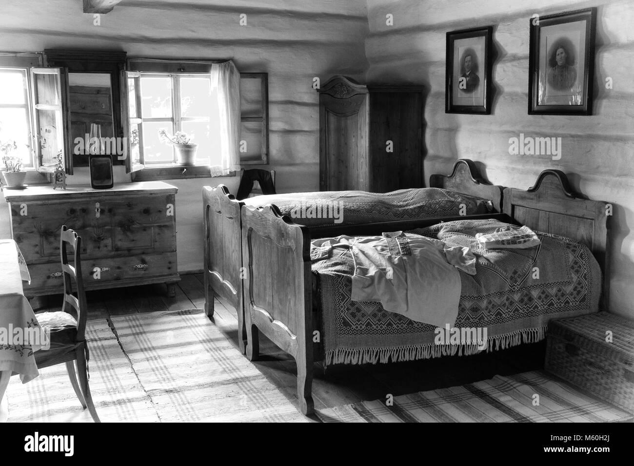 Camera Da Letto Bianco E Nero : I mobili in un tradizionale villaggio slovacco camera da letto