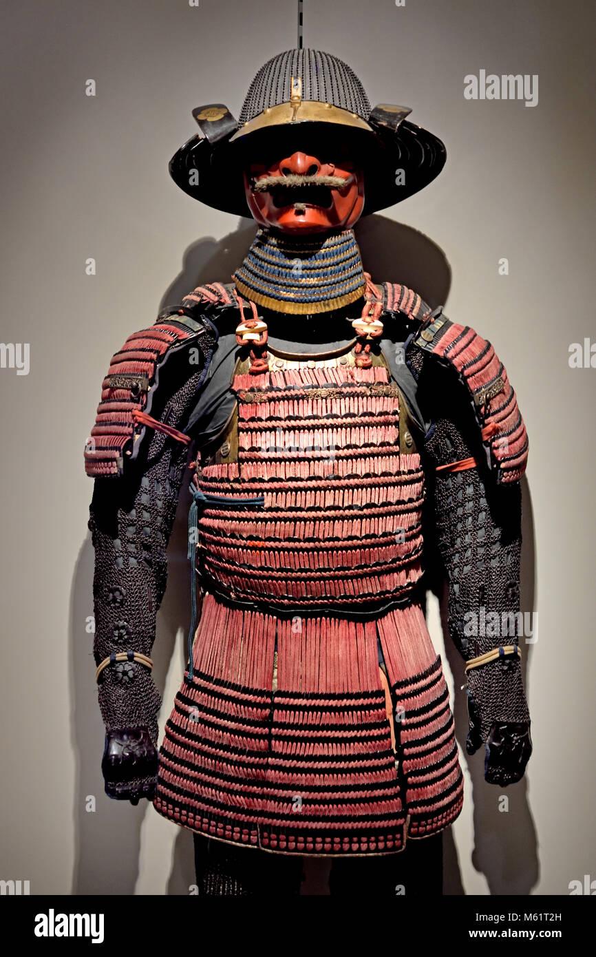 Armor Armadura yori ( ) e casco ( kabuto) 19th,secolo,Giappone Giapponese, ( la ō-yoroi è un importante esempio Immagini Stock