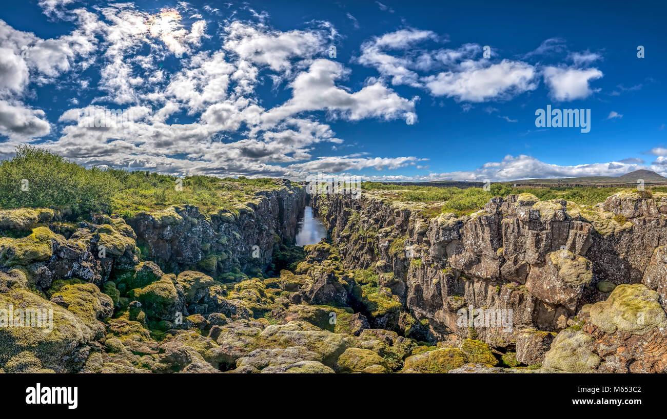 Fessura Almannagja. Thingvellir National Park, un sito Patrimonio Mondiale dell'Unesco, Islanda. Immagini Stock