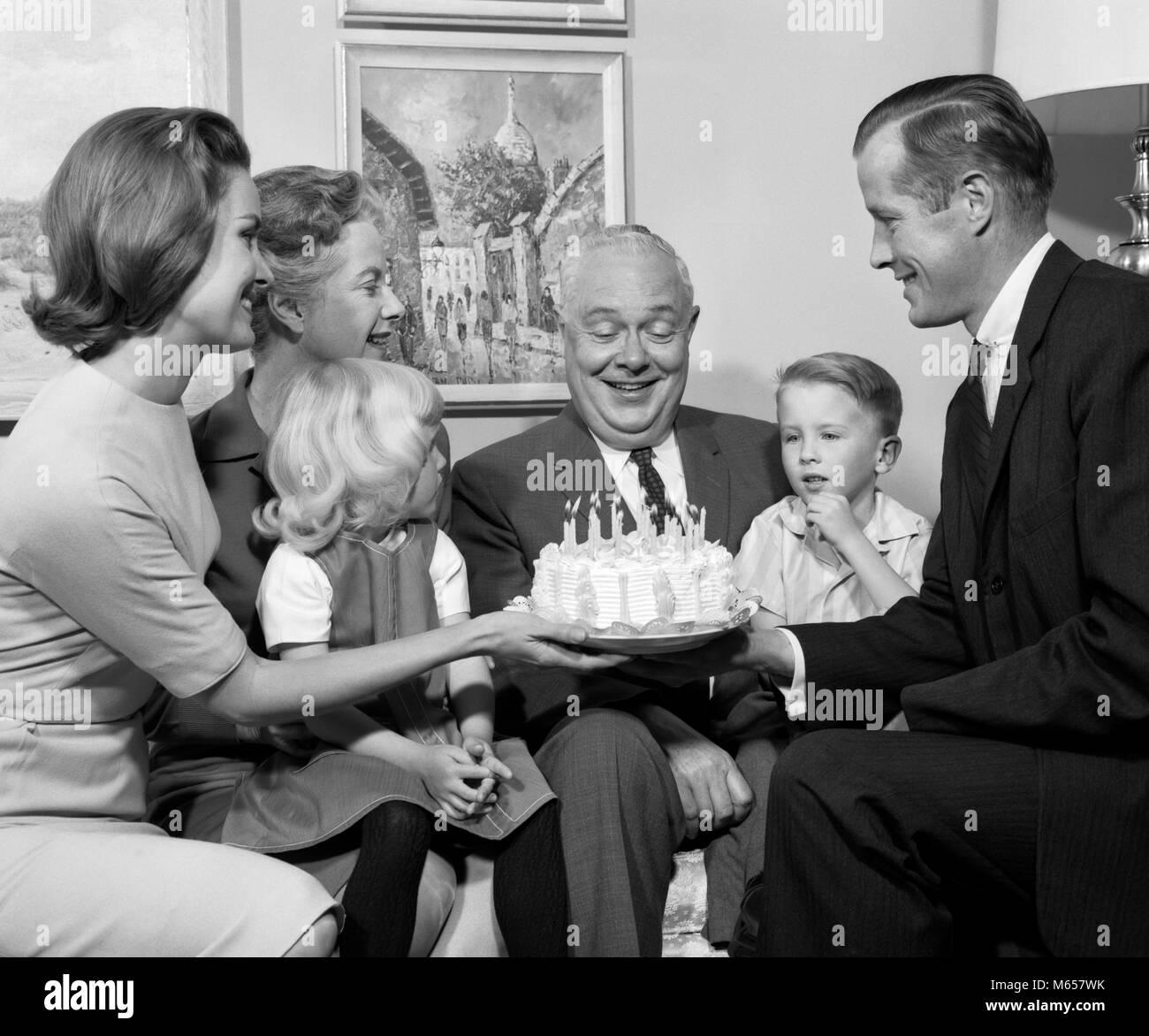 Negli Anni Sessanta La Famiglia Festa Di Compleanno Torta 3