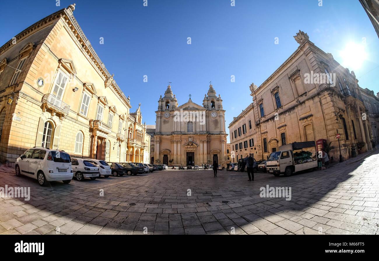Mdina conosciuta anche come Medina - Malta. Centro storico Vista panoramica al tramonto Immagini Stock