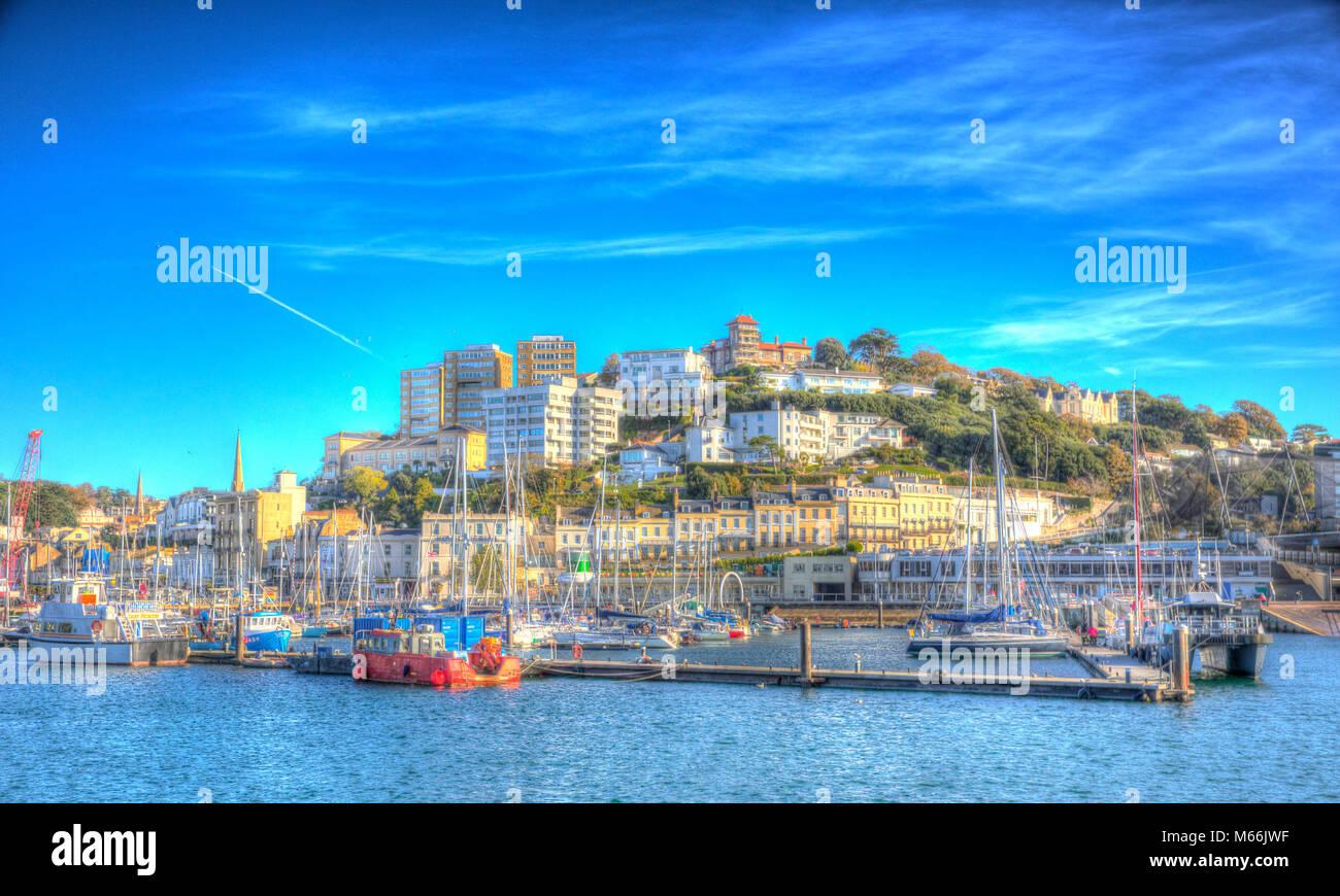 Torquay Devon porto e marina con barche in hdr colorati sotto il sole Immagini Stock