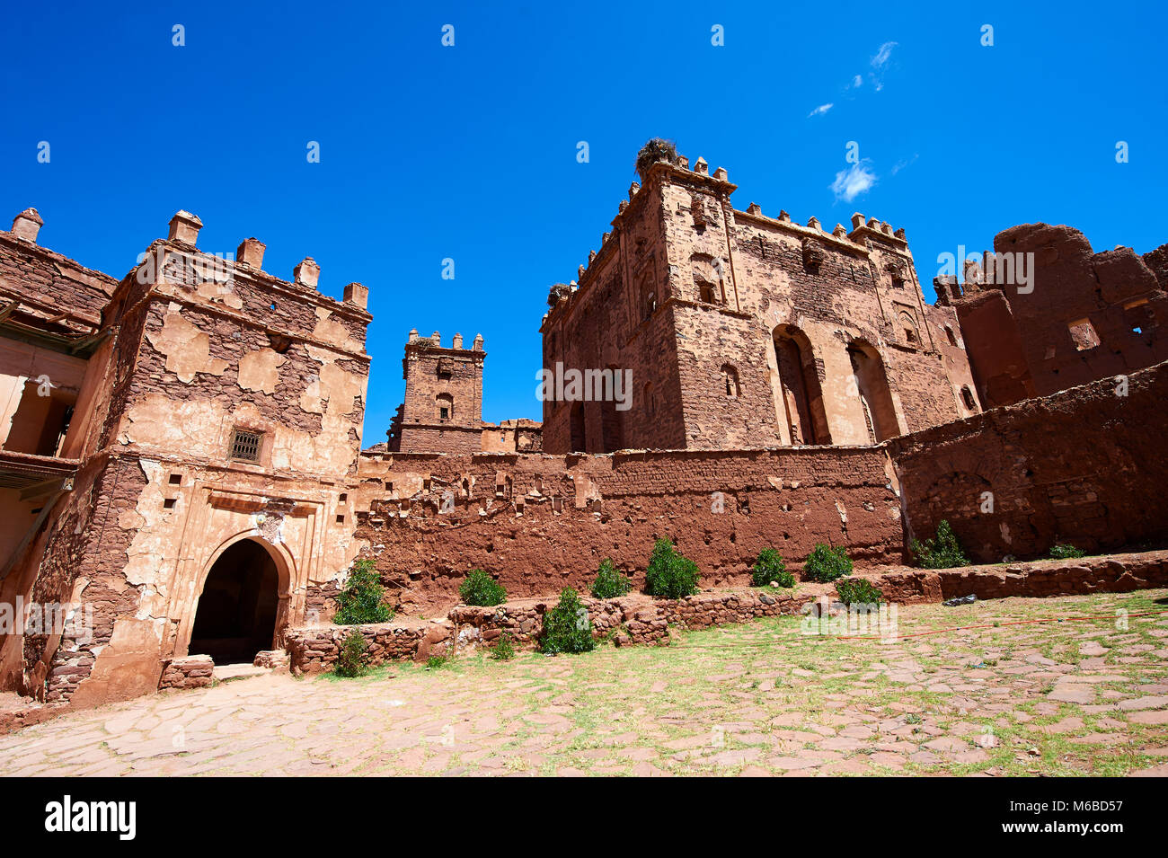 Esterno del mattone di fango Berber Telouet Kasbah, Atlante Marocco Immagini Stock