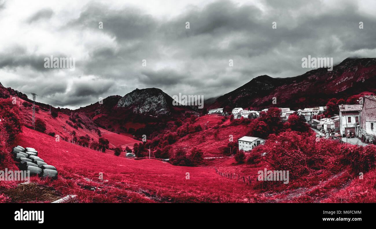Vista panorámica de onu pueblo de Asturias en onu día de tormenta. Immagini Stock