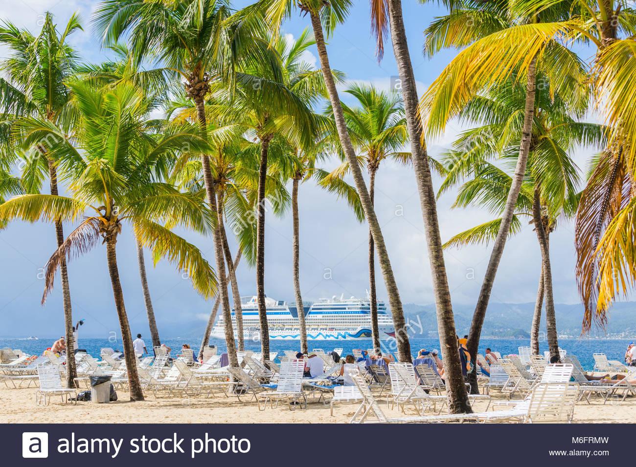 Isola Bacardi ( Cayo Levantado), Samana, Repubblica Dominicana. Gennaio 2018. Bello e luminoso isola nella baia Immagini Stock