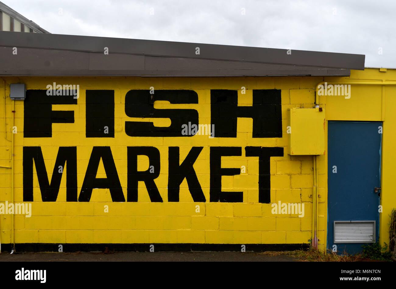 cc97dace478 Mercato del Pesce segno sul lato dell edificio a Kiama NSW Australia  Immagini Stock