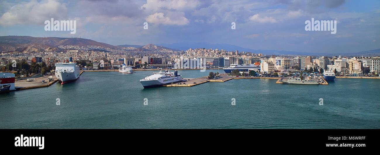 Europa, ,,Atene Pireo la Grecia è il porto più grande in Europa e il terzo più grande al mondo per Immagini Stock