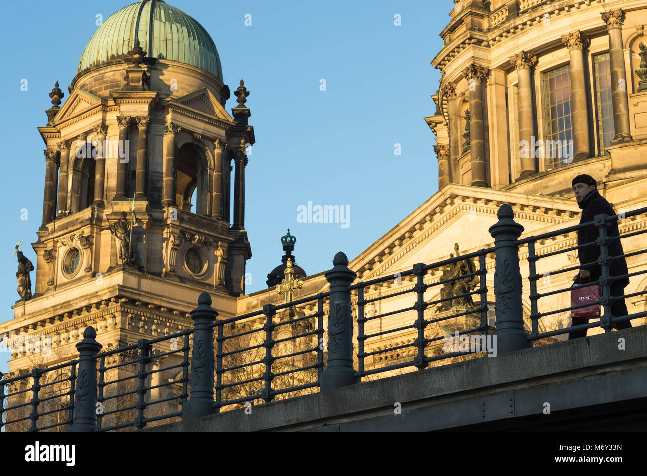 Il Berliner Dom, Am Lustgarten, nel quartiere Mitte di Berlino, Germania Immagini Stock