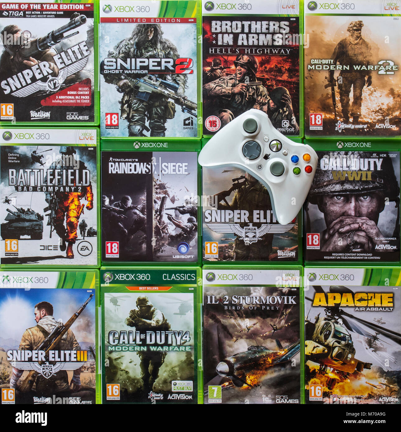 Controller e collezione di violenti in prima persona sparatutto video giochi per Xbox 360 e Xbox uno Immagini Stock