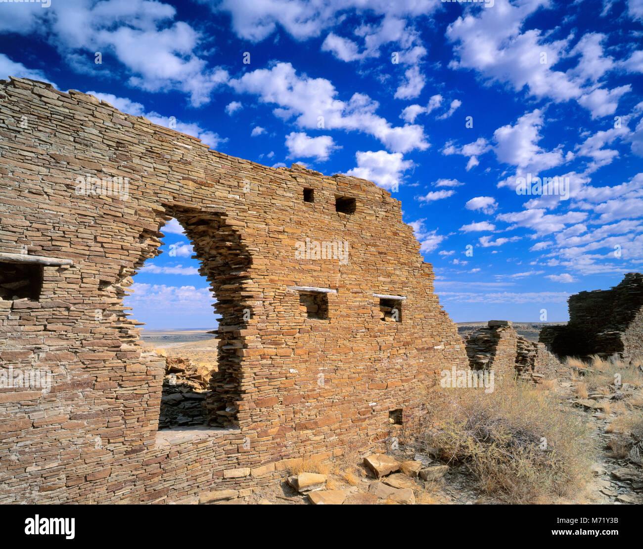 Rovine, Penasco Blanco, Chaco Culture National Historical Park, New Mexico Immagini Stock