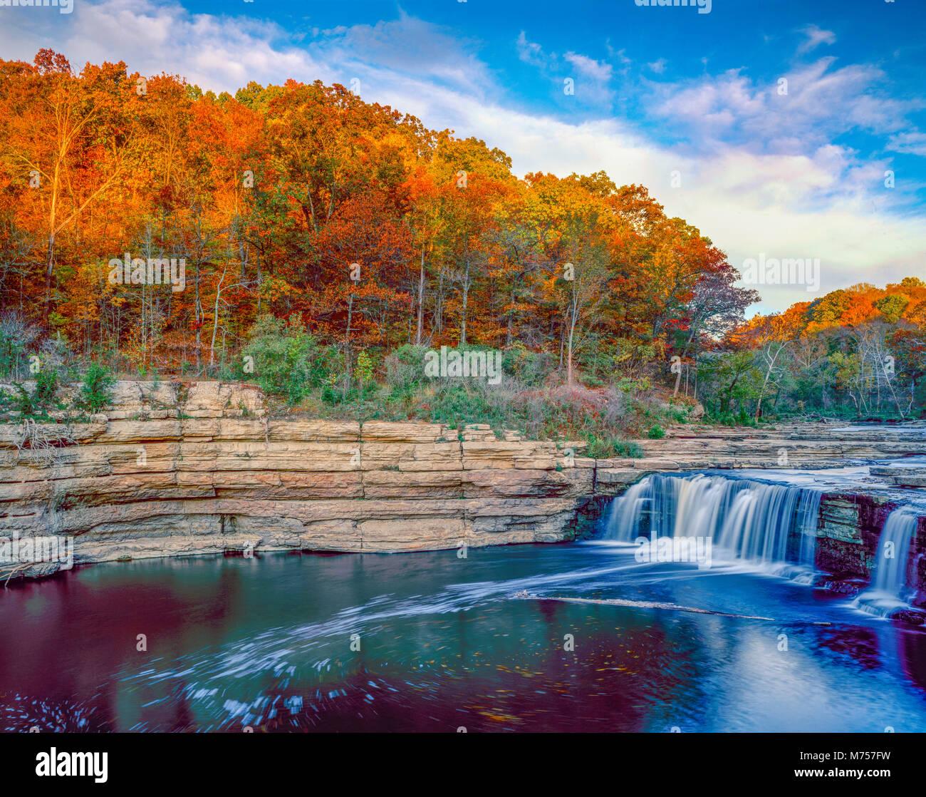 La cataratta inferiore cade, cataratta Falls State Park, Indiana Foto Stock