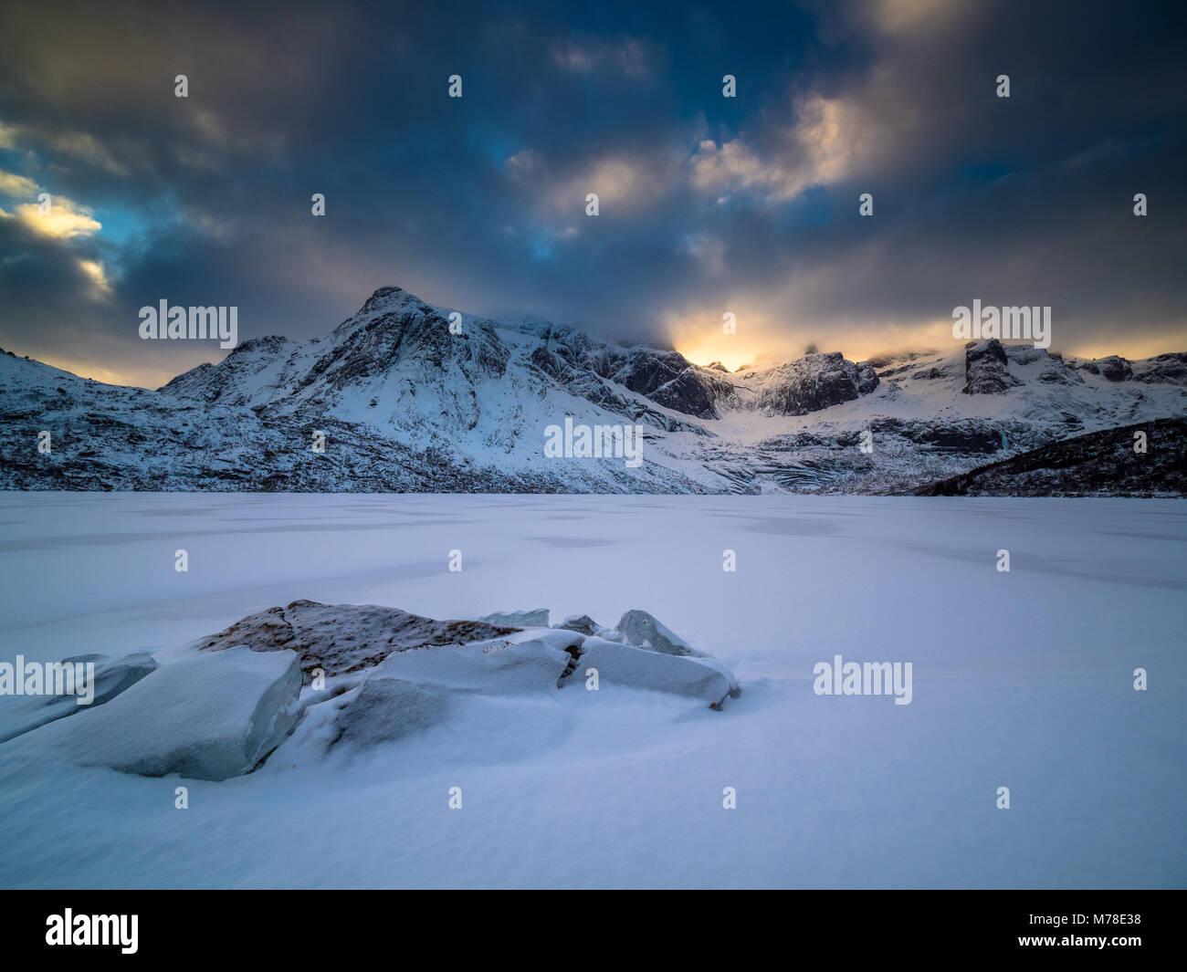 Scena invernale da Lofoten in Norvegia Foto Stock