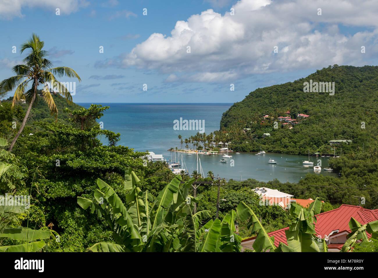 Il tropicale e molto riparato Marigot Bay, Santa Lucia, isole Windward, West Indies dei Caraibi e America centrale Immagini Stock