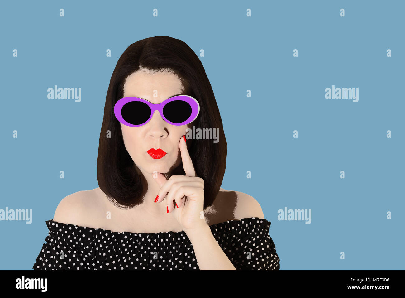 Bianco Vestito Un Nero ArtLa Con Foto Stile E Donna In Pop 4RqL53Aj
