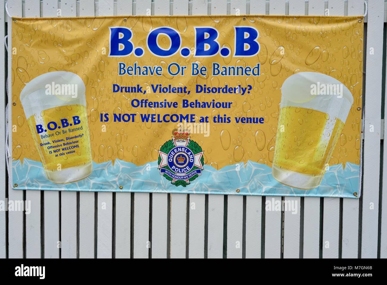 Comportarsi o essere vietato firmare fuori Riverview Tavern di Douglas Townsville Queensland Australia Immagini Stock