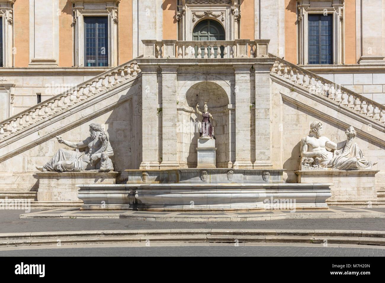 Fontana della Dea Roma, Campidoglio, Campidoglio, Roma, Italia Immagini Stock