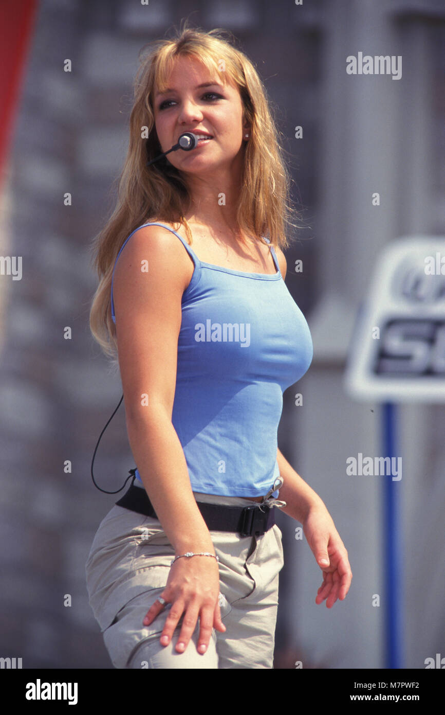 Britney Spears 1999 Immagini & Britney Spears 1999 Fotos Stock - Alamy