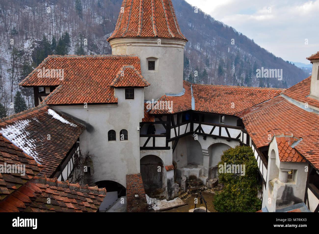 Bran, Romania. Febbraio 4, 2017. All'interno del Castello di Bran (Castelul Bran), comunemente noto come 'Dracula Immagini Stock
