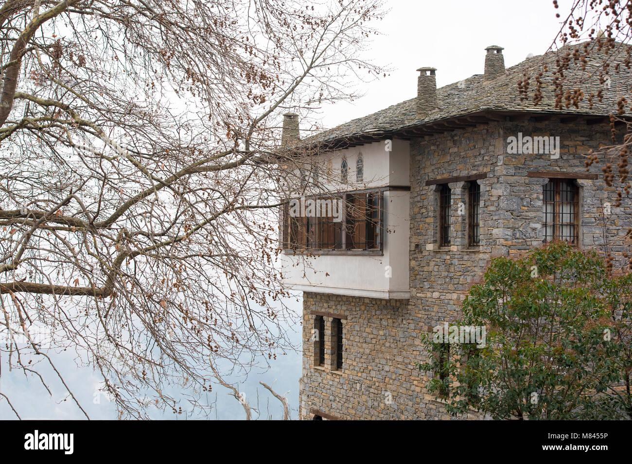 Case In Pietra Di Montagna : Tipica architettura di case in pietra pelion zona di montagna