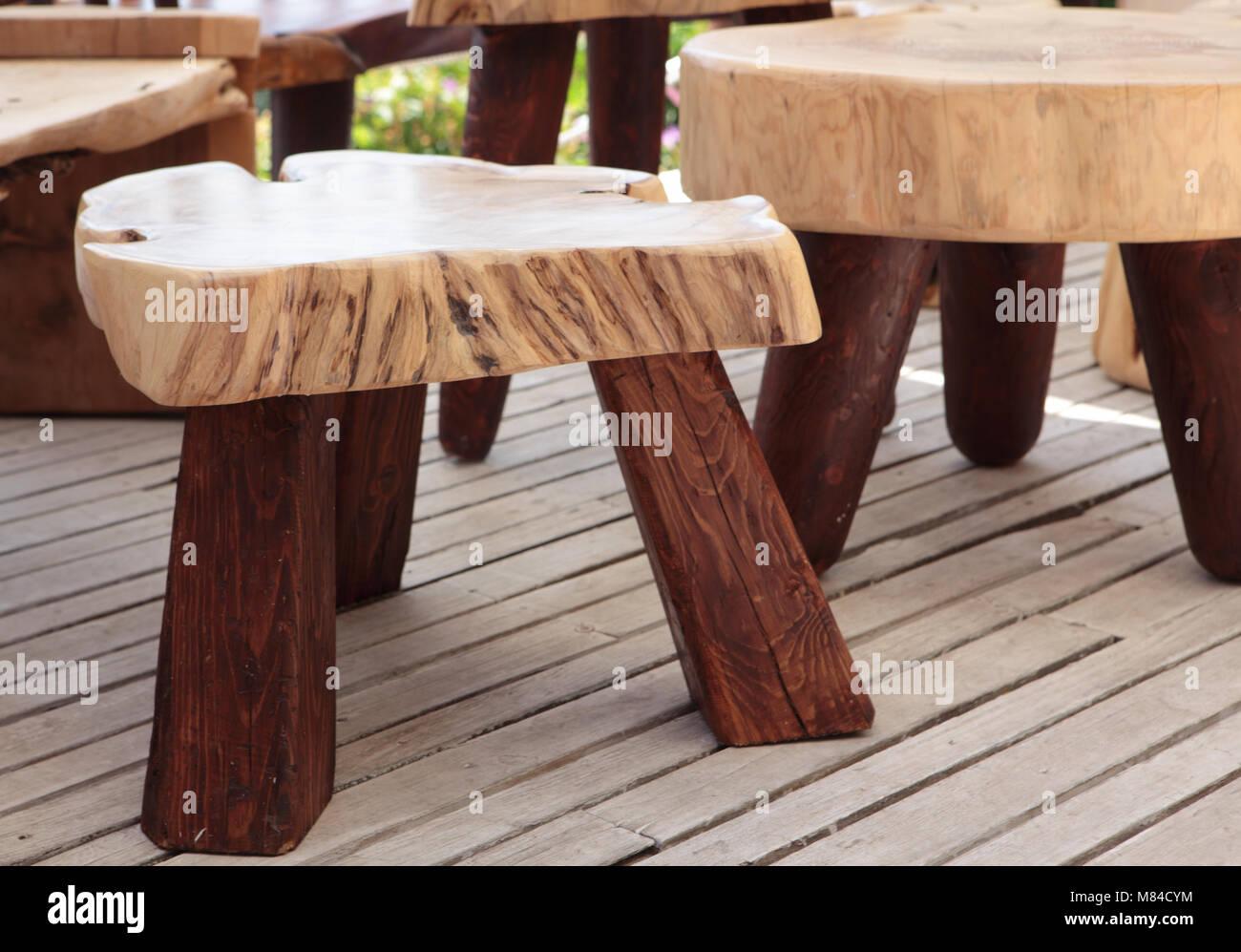 Sgabelli di legno immagini sgabelli di legno fotos stock alamy