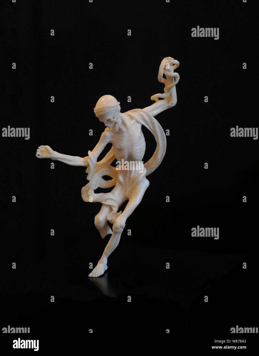 Danza Macabra. La Germania meridionale, inizio del XVIII secolo. L'avorio. Museo Schnütgen. Colonia, Germania. Immagini Stock