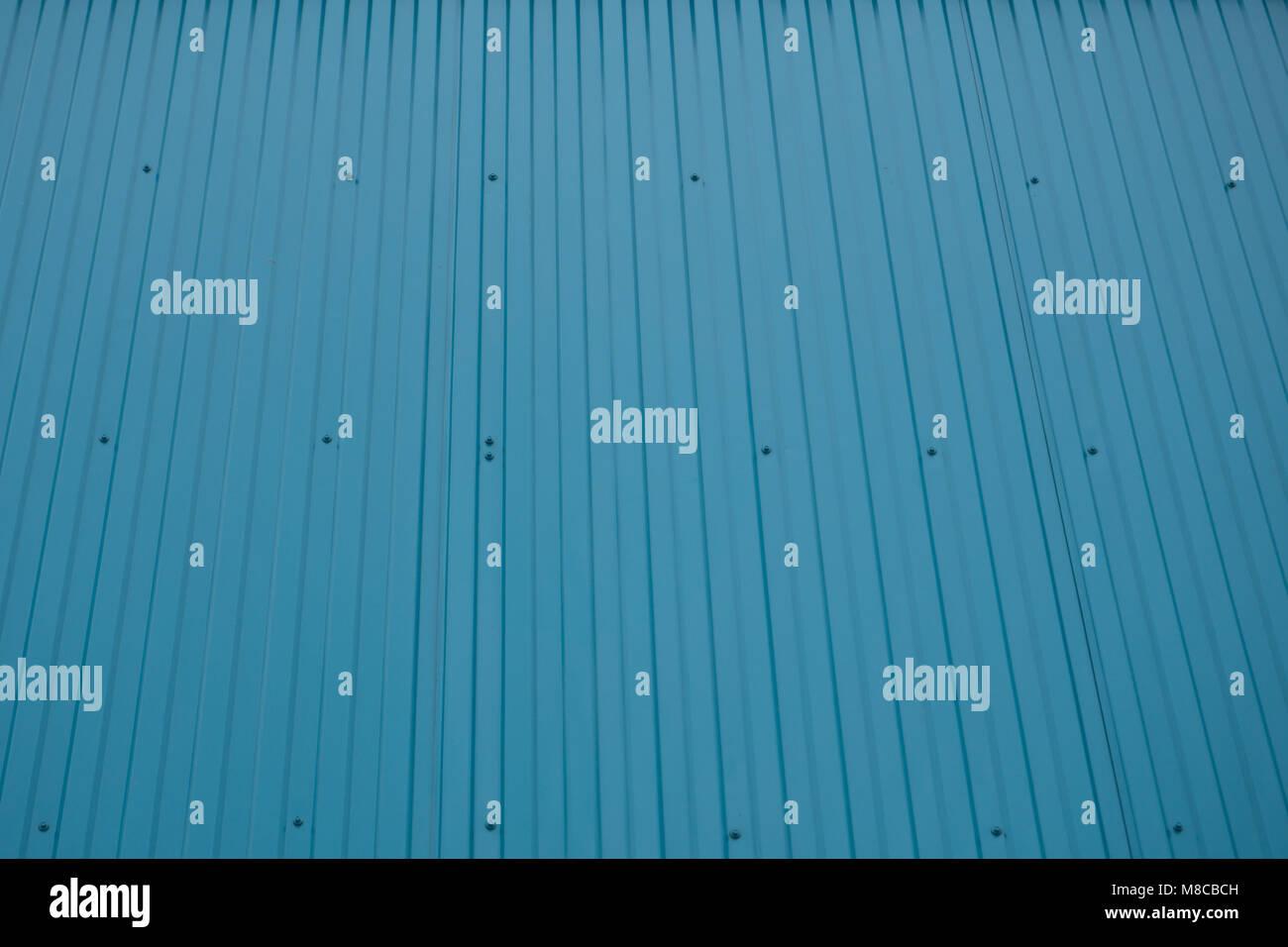 Blu di contenitore di spedizione anteriore parete scanalati dritti