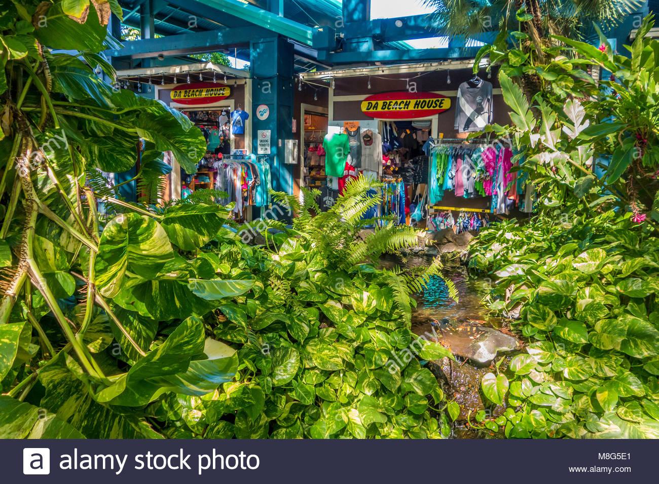 Negozio di abbigliamento Kalama Village Shopping Centre in Kihei isola di Maui nello stato delle Hawaii USA Immagini Stock