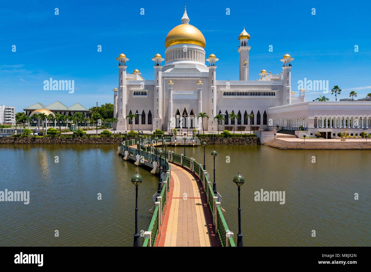 Brunei Darussalam Bandar Seri Begawan Marzo 17, 2018 Sultan Moschea di Omar Ali Saifuddien uno di Brunei è Immagini Stock