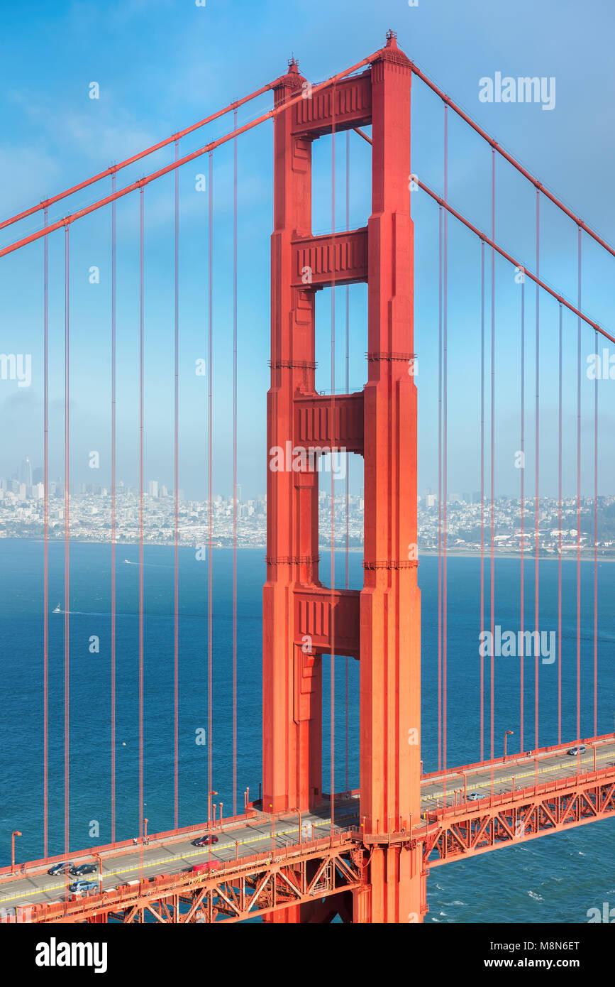 Golden Gate Bridge al tramonto a San Francisco, California. Immagini Stock