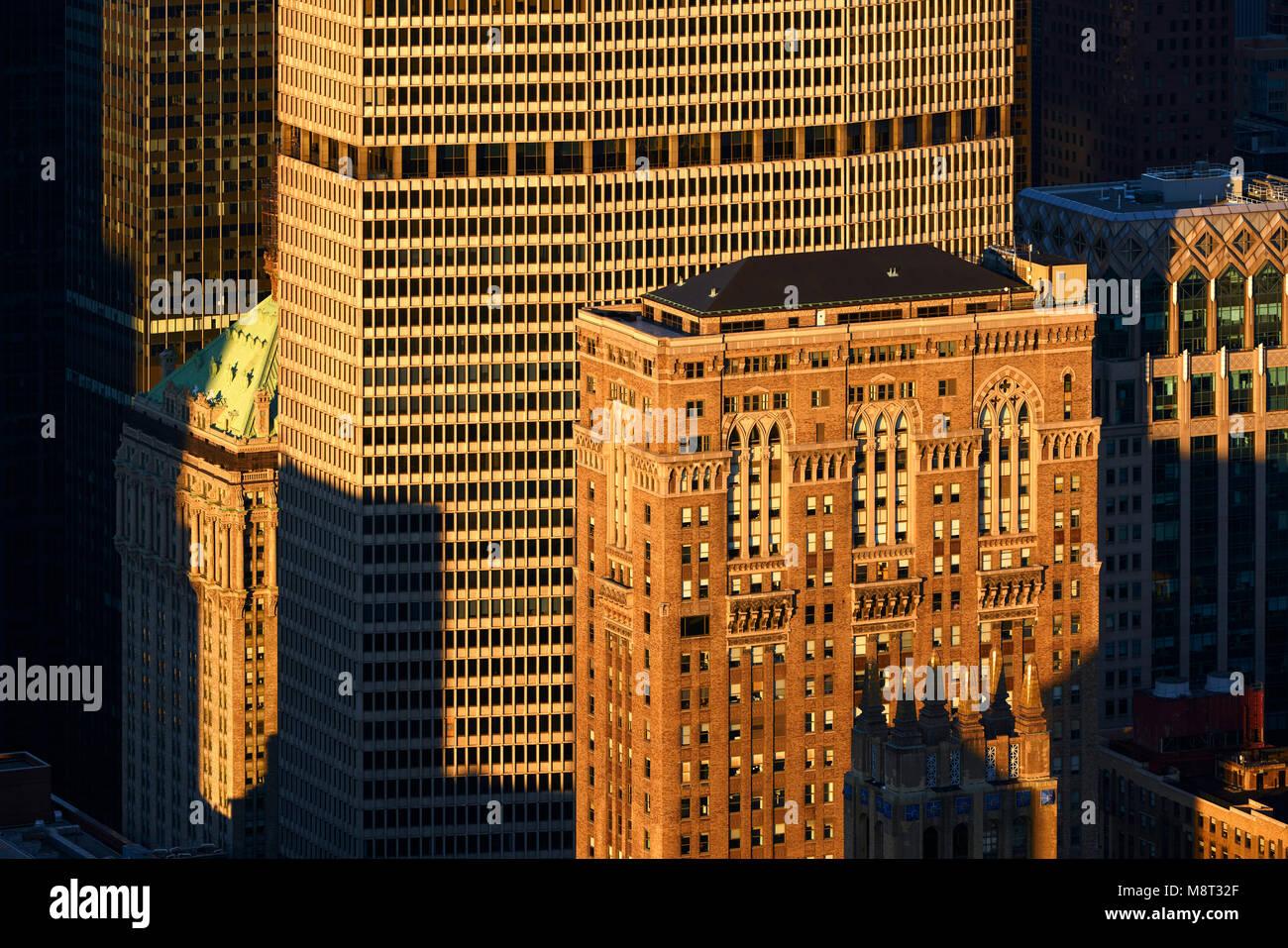 Vista aerea al tramonto del Lincoln edificio e l'edificio MetLife grattacieli. Midtown Manhattan, a New York Immagini Stock