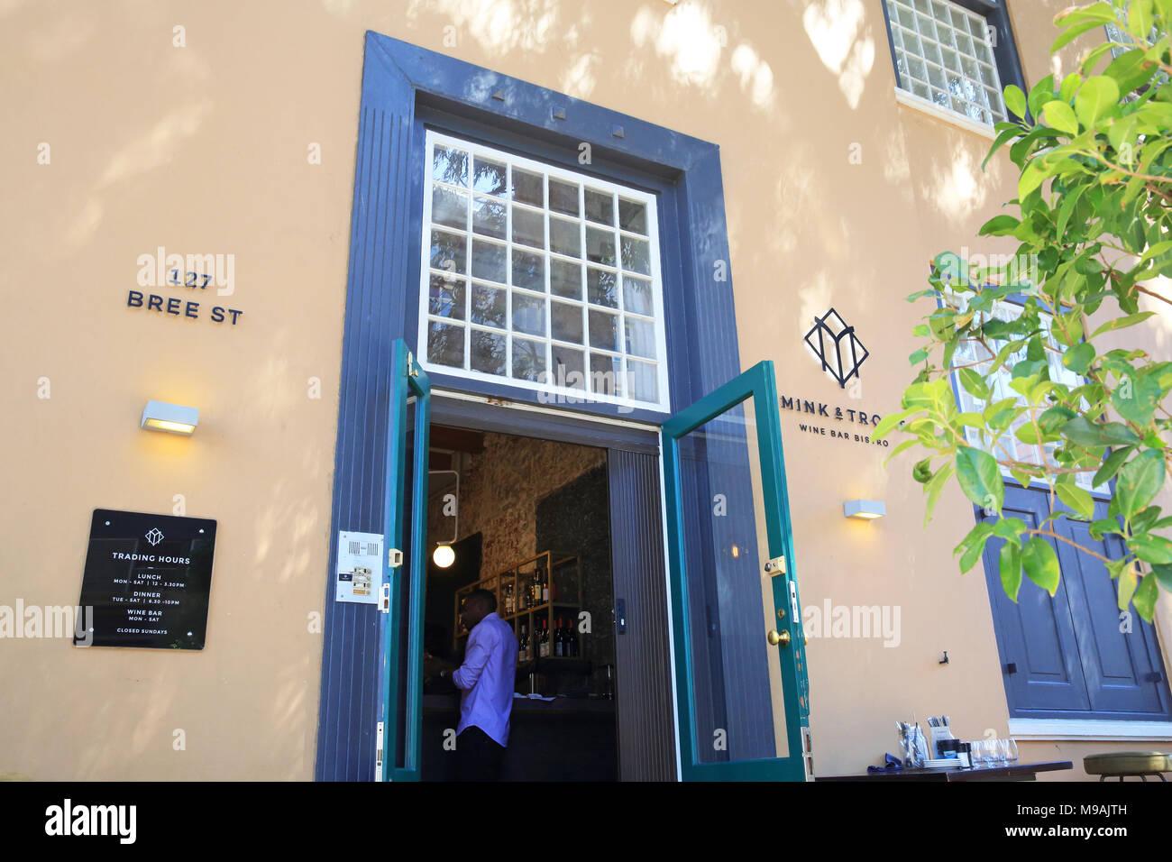 Di visone trota & wine bar e bistro su Bree Street, il più cool street nel centro di Città del Capo in Sud Africa Immagini Stock
