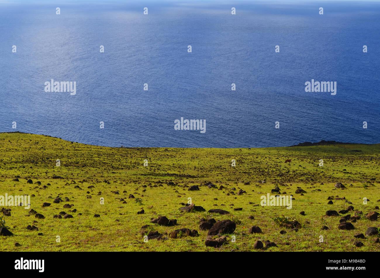 Vista mare dalle pendici del vulcano Terevaka, Rapa Nui (l'Isola di Pasqua) Immagini Stock