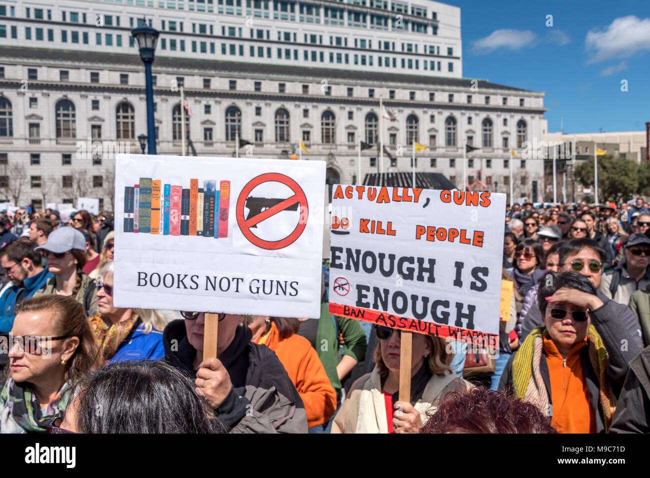 San Francisco, Stati Uniti d'America. Il 24 marzo 2018. Marzo per la nostra vita rally e da marzo a chiamata per il controllo dell'arma e la fine della violenza pistola. Shelly Rivoli/Alamy Live News Immagini Stock