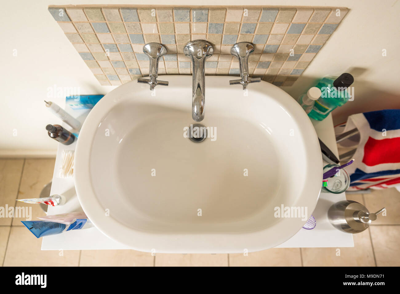 Vasca Da Bagno Espanol : Vista aerea classico superiore acrilico lavello lungo con una vasca