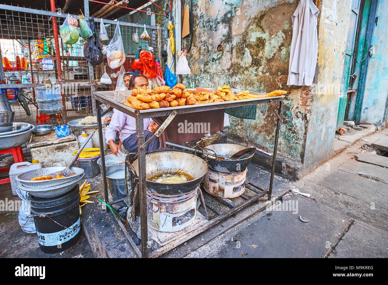 7eb598e134c6 Myanmar Snacks Immagini   Myanmar Snacks Fotos Stock - Alamy
