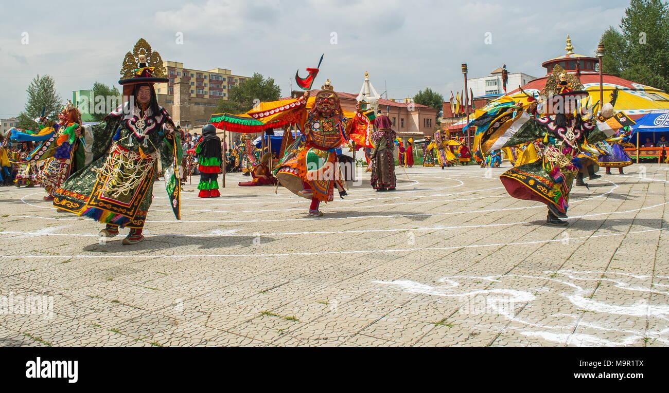 Tradizionale danza Tsam durante un festival della cultura, Mongolia Immagini Stock