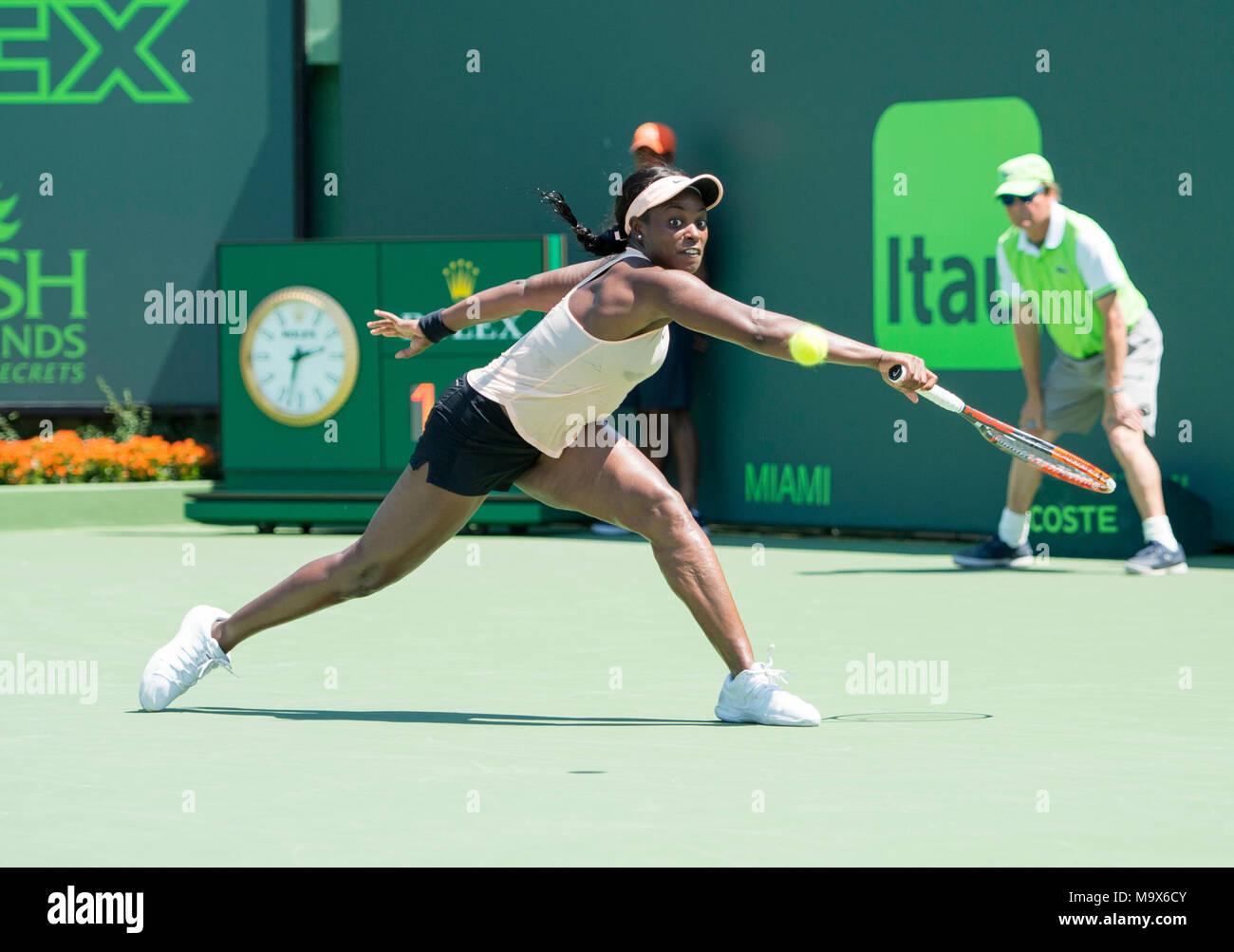 Miami, Key Biscayne, Florida, Stati Uniti d'America. 26 Mar, 2018. Sloane Stephens (USA) sconfitte Garbine Muguruza (ESP) da 6-3, 6-4, al Miami aprire suonata in Crandon Park Tennis Center di Miami, Key Biscayne, Florida. © Karla Kinne/Tennisclix/CSM/Alamy Live News Foto Stock