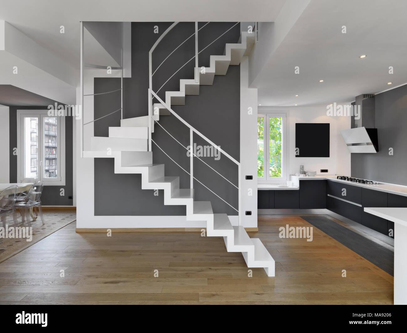 Interni Moderni Cucine : Gli scatti in interni di un moderno appartamento con vista su la
