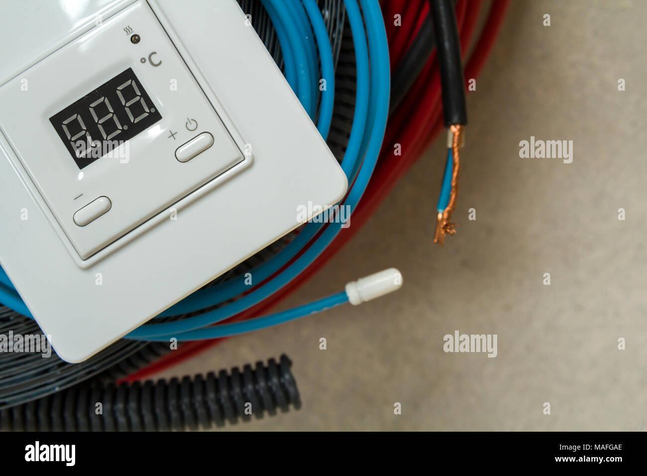 Ristrutturazione Riscaldamento A Pavimento riscaldamento a pavimento i fili del sistema di cavi e del