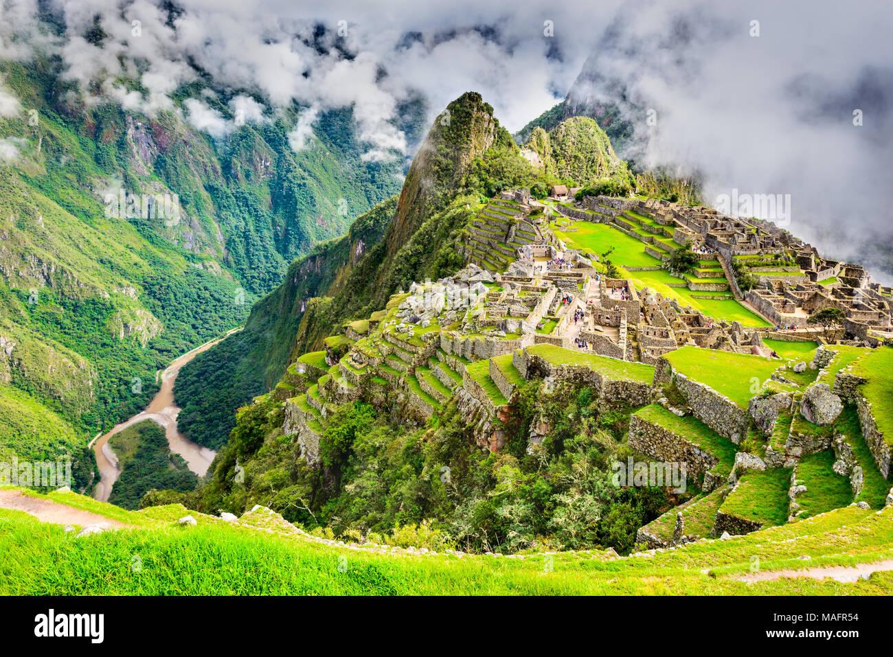 Il Machu Picchu in Perù - Rovine di Inca Empire City e Huaynapicchu montagna nella Valle Sacra, Cusco, Sud America. Immagini Stock