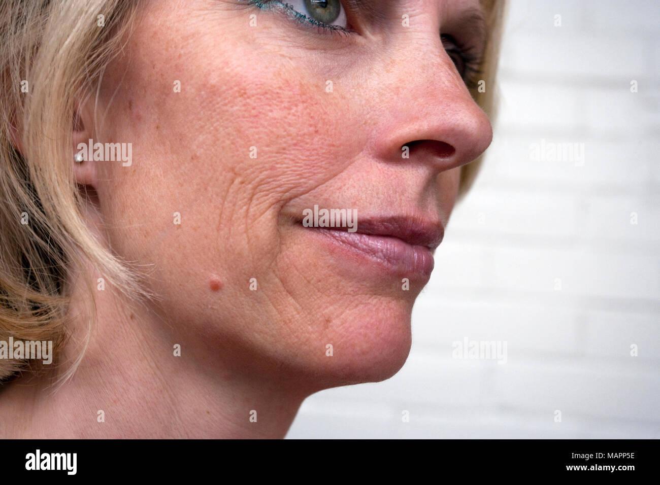 Donna con invecchiamento della pelle Immagini Stock