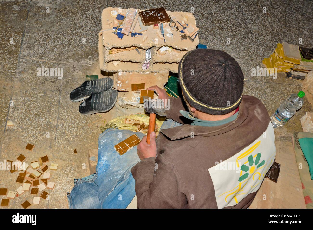 Il marocco fes medina souk arte naji famoso blue fatto a mano in