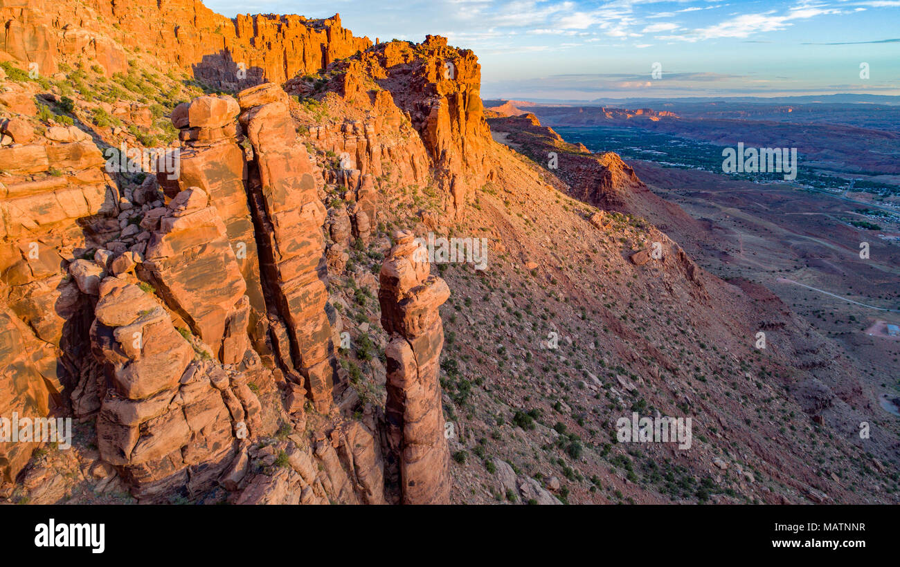Angelo Rock e Moab Valley, dietro il Rock proposto deserto dello Utah Foto Stock