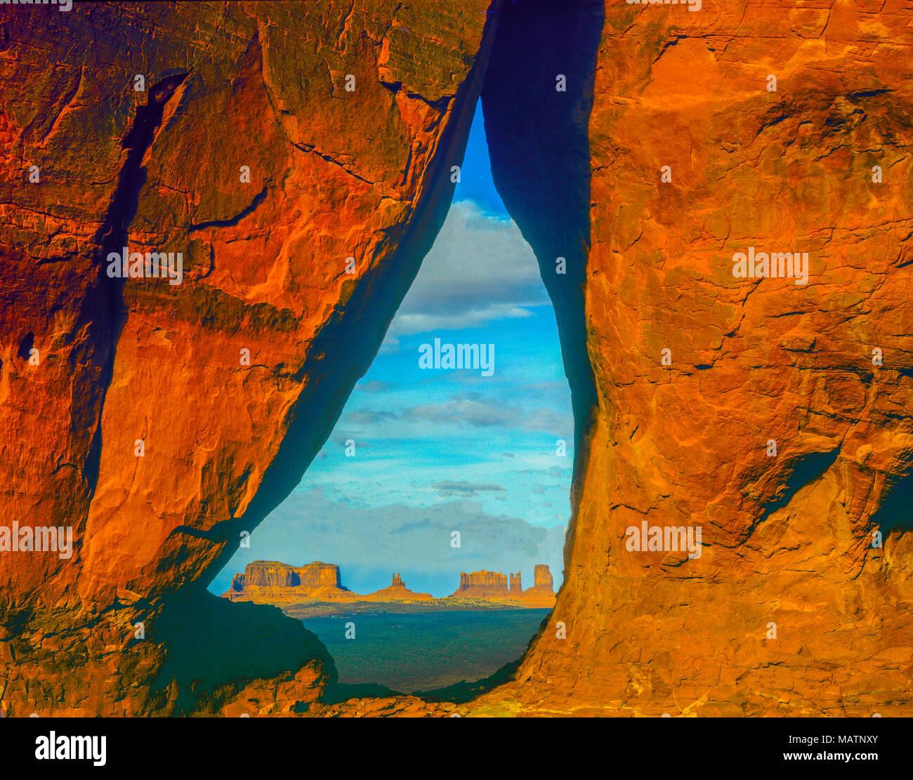 Lacrima Arch, Monument Valley Tribal Park, Utah e Arizona, Riserva Navajo Foto Stock