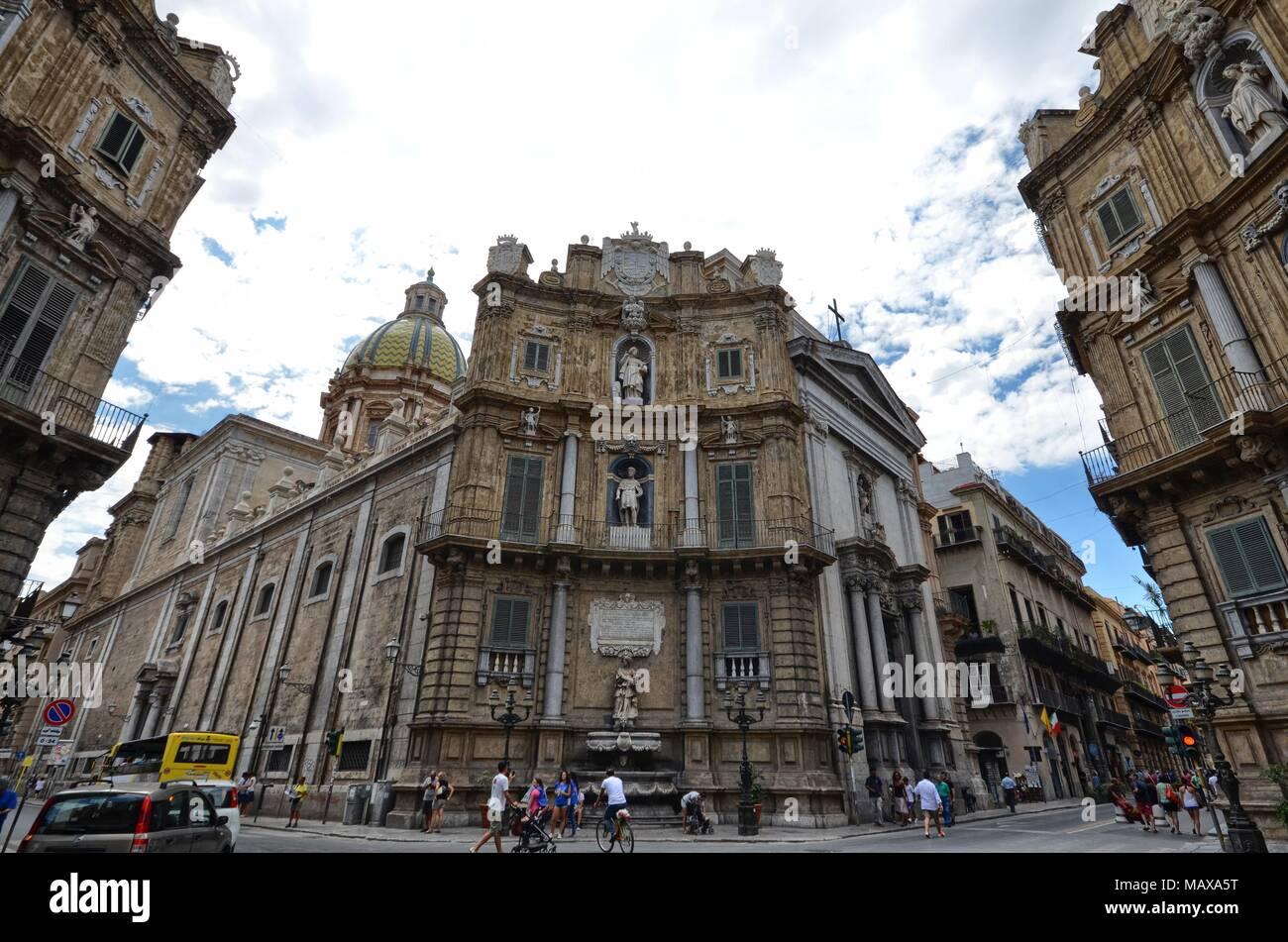 Palermo Sicilia Italia 24 Agosto 2015quattro Canti E Piazza