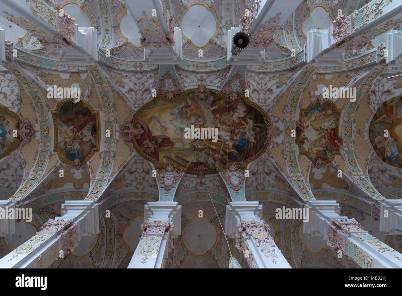 Soffitto A Volta Affrescato : Soffitto a volta con affreschi dai fratelli asam heilig geist