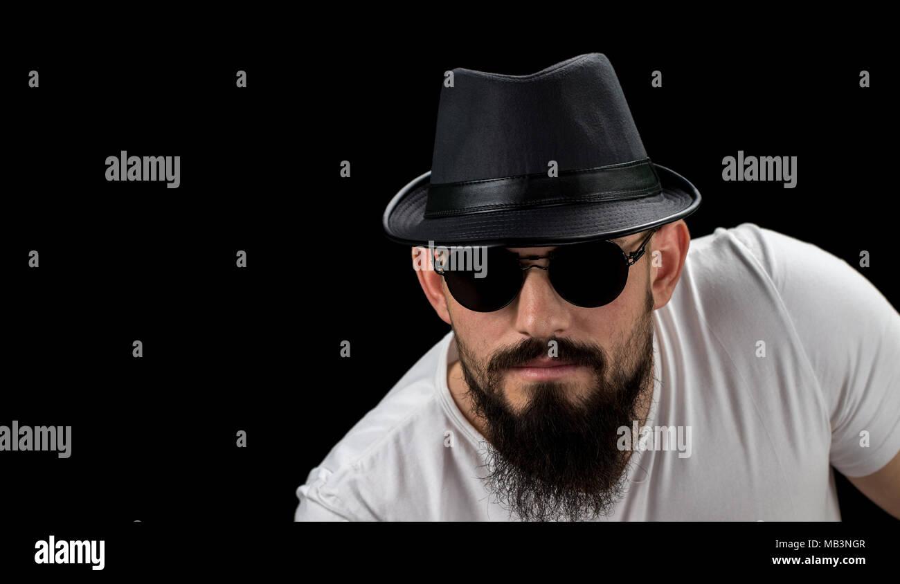 online qui estremamente unico goditi la spedizione gratuita Silhouette di giovani fiduciosi bello uomo barbuto hipster ...