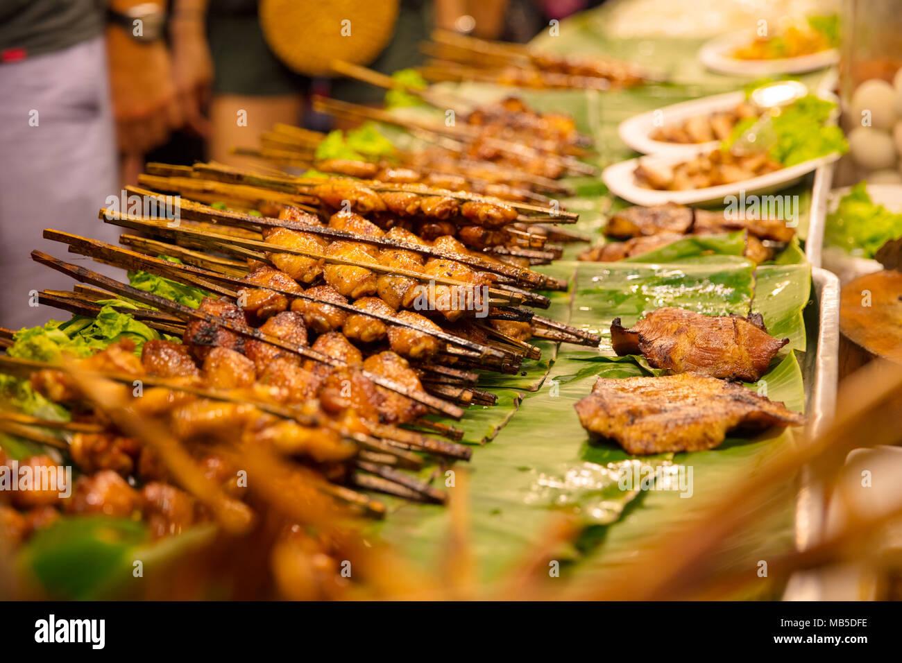 Satay stall immagini satay stall fotos stock alamy for Disegni del mazzo del secondo piano